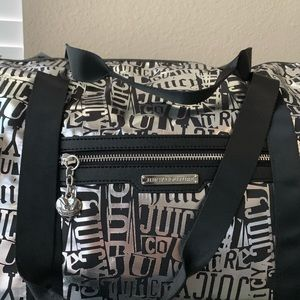 Juicy Couture -Ransom Note Weekender dufflebag